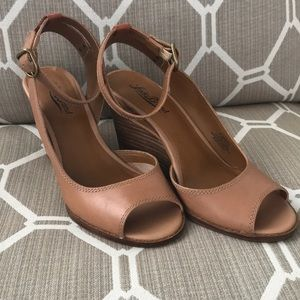 Lucky Brand 🍀 Wedge Sandals
